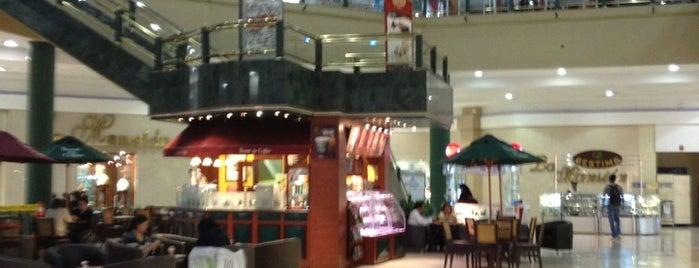 Centro Comercial El Bosque is one of Ecuador best spots.