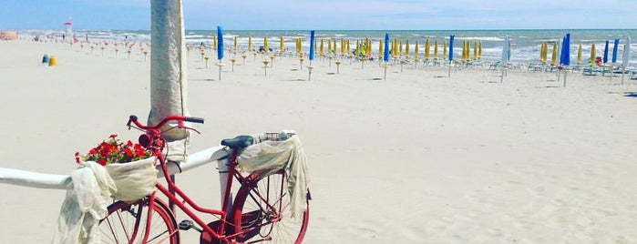 Spiaggia Barricata is one of Veneto best places.