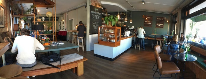 Broers is one of Amsterdam koffie/lunch.