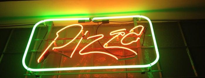 Pizza is one of Comer, beber e viver Curitiba(continuação).