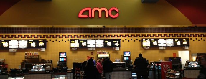 AMC Showplace Traders Point 12 is one of The 15 Best Places for Comfortable Seats in Indianapolis.