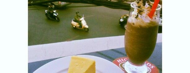 Highlands Coffee is one of Đồ ăn sài gòn.