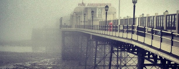 Worthing Pier is one of Cool Places.