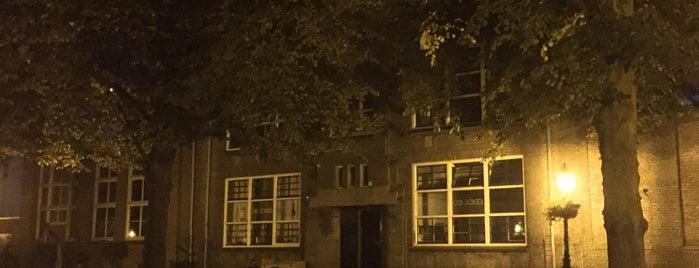 Old School is one of Keep Leiden Weird.