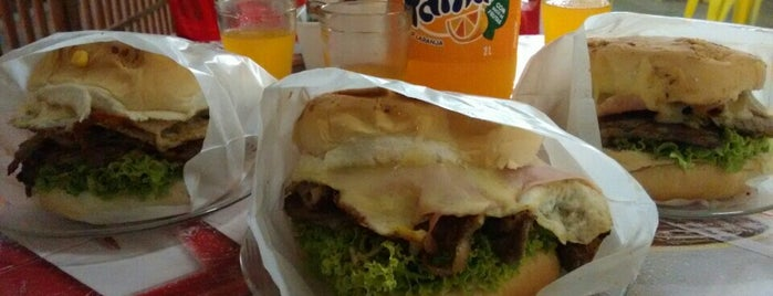 Tutu Lanches is one of Bares.