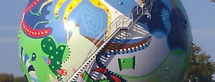 De Gasbol - Toyistisch Kunstwerk De Stip is one of The highlights of Emmen.