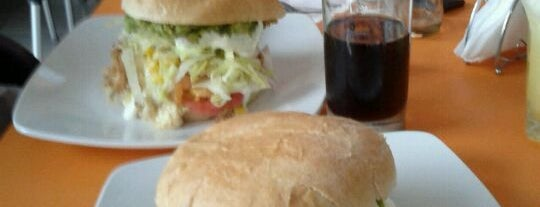 Divina Gula is one of Restaurantes, Bares, Cafeterias y el Mundo Gourmet.