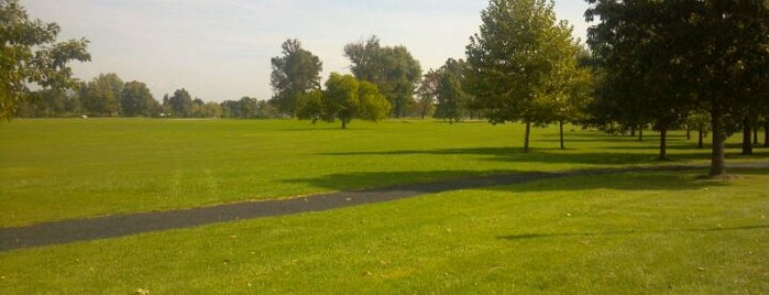 Delaware Park is one of StorefrontSticker City Guides: Buffalo.