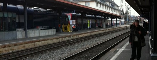 Bahnhof Uster is one of Bahnhöfe.