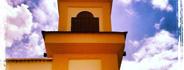 Masjid Tengku Ampuan Jemaah is one of Baitullah : Masjid & Surau.