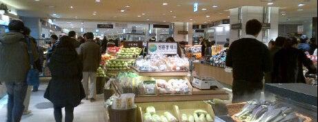ロッテ百貨店 is one of Seoul #4sqCities.