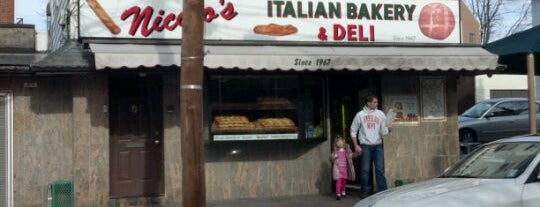 Nicolo's Italian Bakery and Deli is one of #BudSpots.