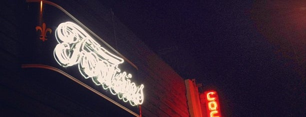 Footsie's is one of Must-visit Bars in Hollywood.