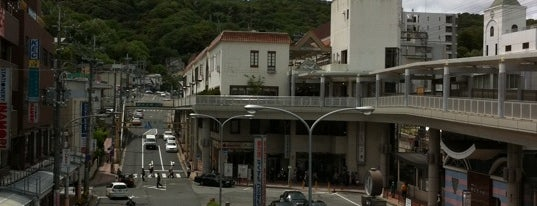 Ikoma Station is one of 近鉄けいはんな線.