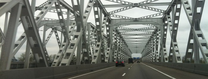 Keizersveerbrug is one of Bridges in the Netherlands.