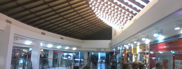 Caballito Shopping Center is one of LUGARES VISITADOS.