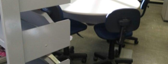 Biblioteca do CPTI (Centro de Educação Profissional em Tecnologia da Informação) is one of Estive em:.