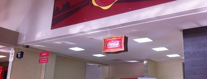 Mega Burger's is one of Restaurantes.