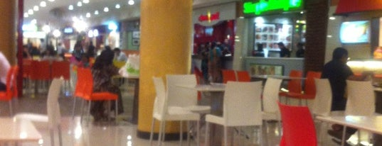 Dolmen Mall Food Court is one of Eat outs.