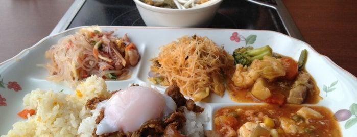 エラワン 新宿靖国通り店 is one of 食べ放題.
