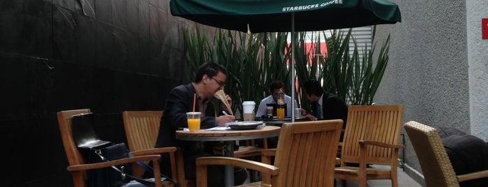 Starbucks is one of Tengo que probarlos.