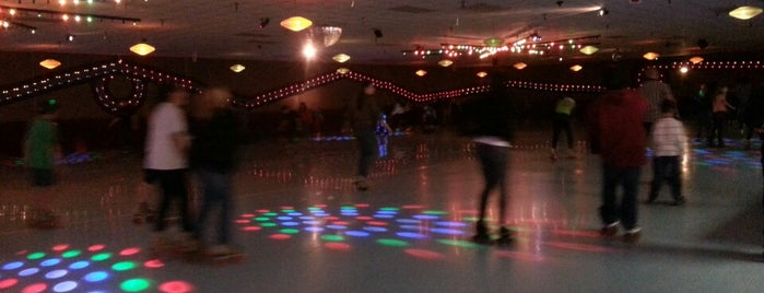 Fountain Valley Skating Center is one of My favorite places!.