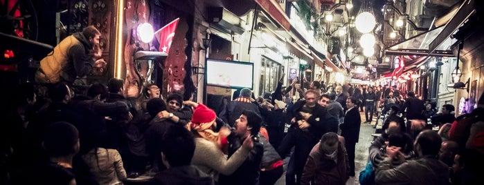 Nevizade is one of İstanbul'da En Çok Check-in Yapılan Mekanlar.