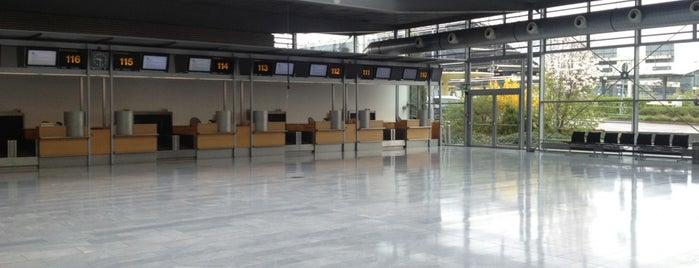 United @ Stuttgart Airport is one of Stuggi4sq.