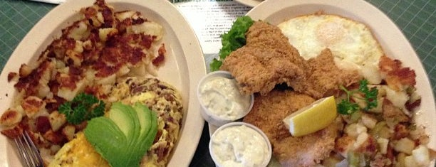 Stagecoach Restaurant is one of The 15 Best Places for a Brunch Food in Sacramento.
