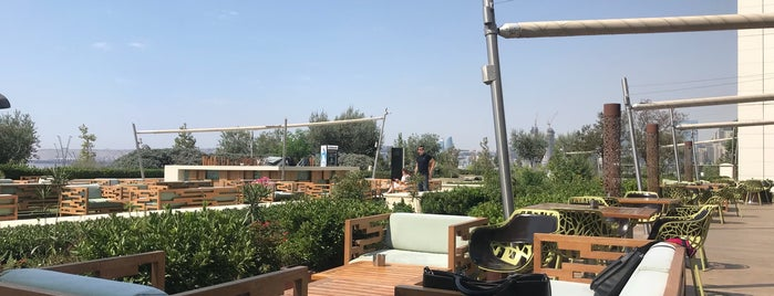 Green House Kitchen Restaurant, Boulevard Hotel Baku is one of BF - Cafe.