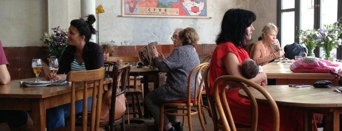 Granja Petitbo is one of Cafè.