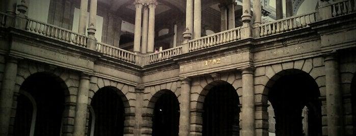 Palacio de Minería is one of Galerías y Museos @ DF.