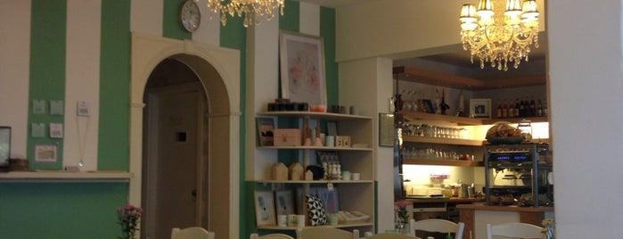 Die Pampi is one of Cafés zum Verweilen.
