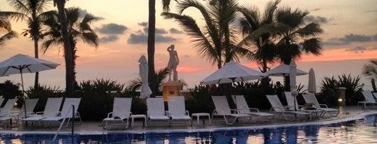 Pueblo Bonito Emerald Bay Resorts & Spas is one of Mazatlan.