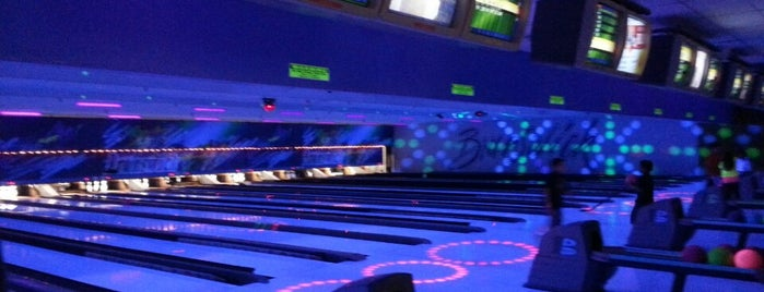 Brunswick Zone Harbour Lanes is one of Frequent Check In's.