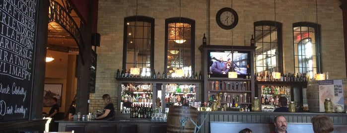 Borealis Grille and Bar is one of Essen.