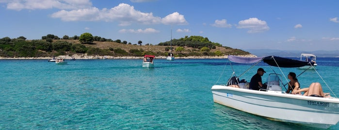 Blue Lagoon is one of 🌞🌊Chalkidiki-->to The Beach 🐋🐬🐟🐠🐡🦀.