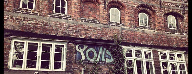 PONS is one of All you need in: Lüneburg.