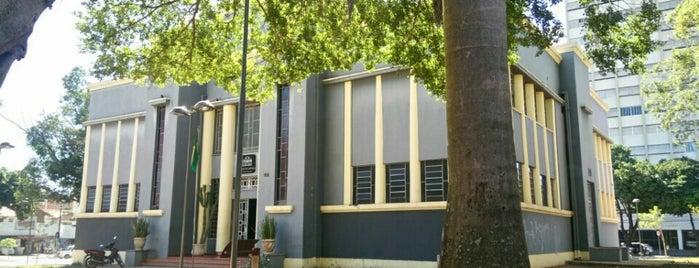 Museu Estadual Professor Zoroastro Artiaga is one of Pontos Turisticos Essenciais Goiania.
