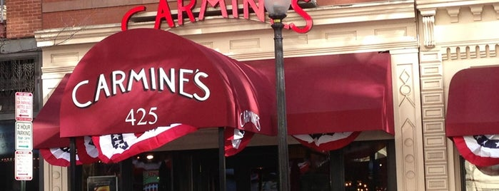 Carmine's Italian Restaurant is one of Places I like..