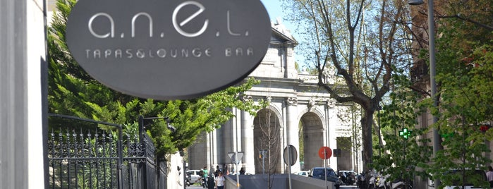 a.n.E.l. Tapas & Lounge Bar is one of Barras Madrid.