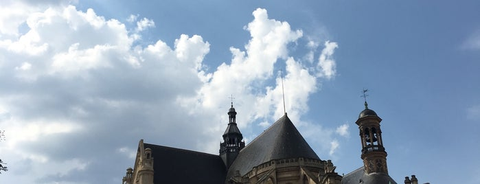 La Pointe Saint Eustache is one of Paris.