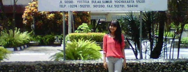 Fakultas Hukum UGM is one of Universitas Gadjah Mada.