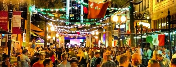 Wall Street Plaza is one of Seminole Club Football Game Watching Parties.