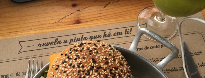 Com PINTA is one of Pizzeria / Italiano.