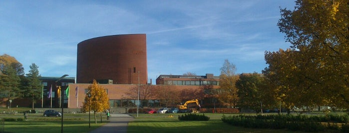 Candidate building (HUT Main building) is one of Alvar Aalto.