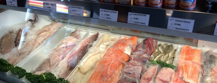 The 15 best places for po 39 boys in indianapolis for Fish market indianapolis