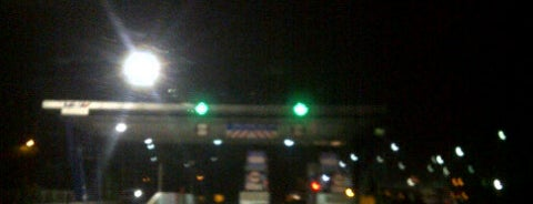 Gerbang Tol Waru 6 is one of Street.