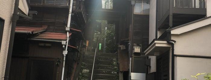 樋口一葉の菊坂旧居跡 is one of ☆.