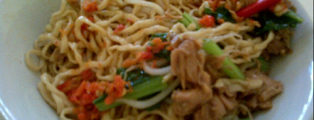Mie Ayam Bangka Pondok Cipta is one of Favorite Food.